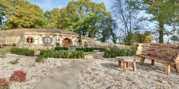 Buried Roof Case Study – Hobbit House, Sussex